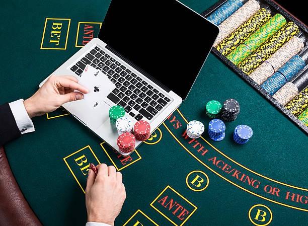 Cons on internet gambling hollywood casino pa texas holdem